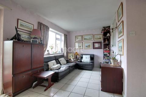 2 bedroom bungalow for sale - Stubble Close, Northampton