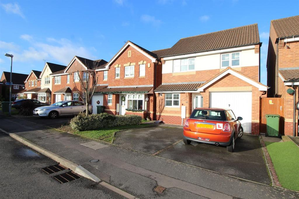 3 Bedrooms Detached House for sale in Jackfield Close, Redditch