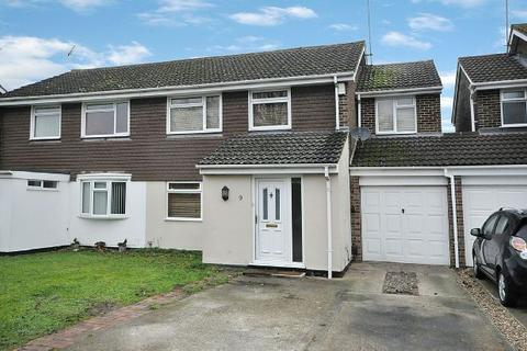 4 bedroom semi-detached house for sale - Crediton Close, Woodley, Reading,