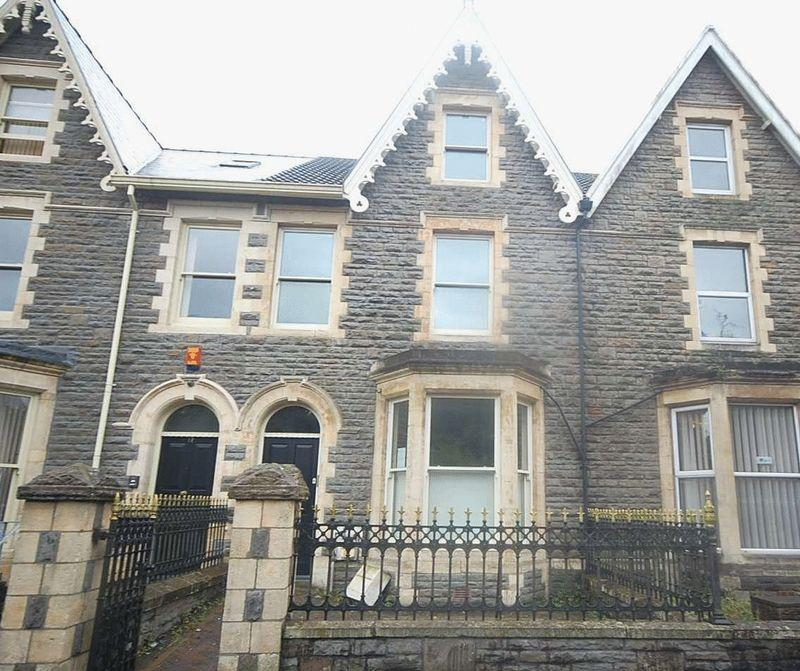 2 Bedrooms End Of Terrace House for sale in 19 Victoria Gardens, Neath, SA11 3AY