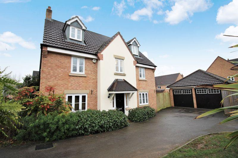5 Bedrooms Detached House for sale in Priory Grove, Langstone, Newport