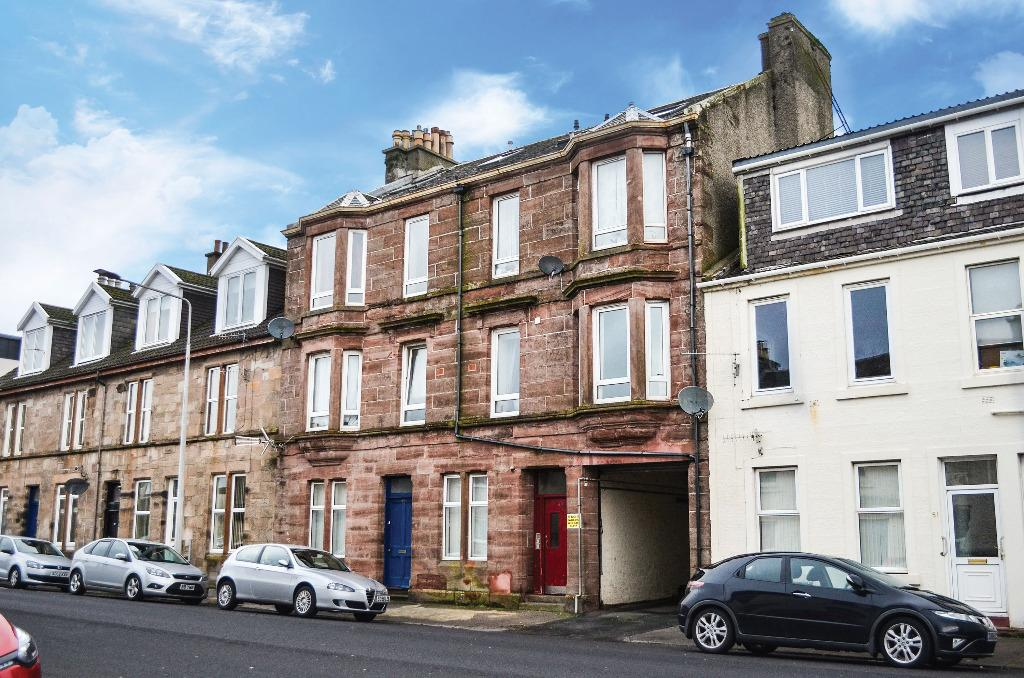 2 Bedrooms Flat for sale in East Princes Street, Flat 2/2, Helensburgh, Argyll Bute, G84 7DF