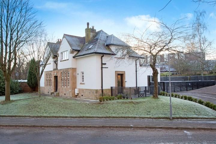 3 Bedrooms Semi-detached Villa House for sale in Strathview Park, Glasgow, G44