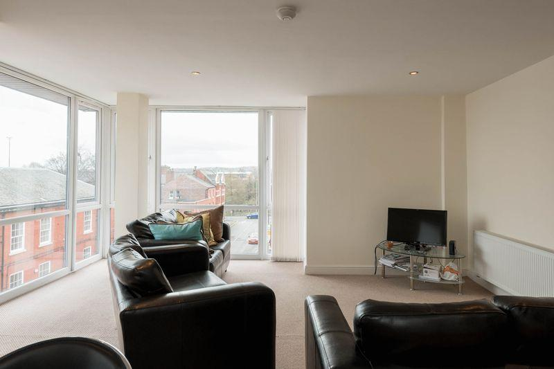 2 Bedrooms Apartment Flat for rent in Winmarleigh Street, Warrington