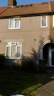 Terraced house to rent - Firhill Road