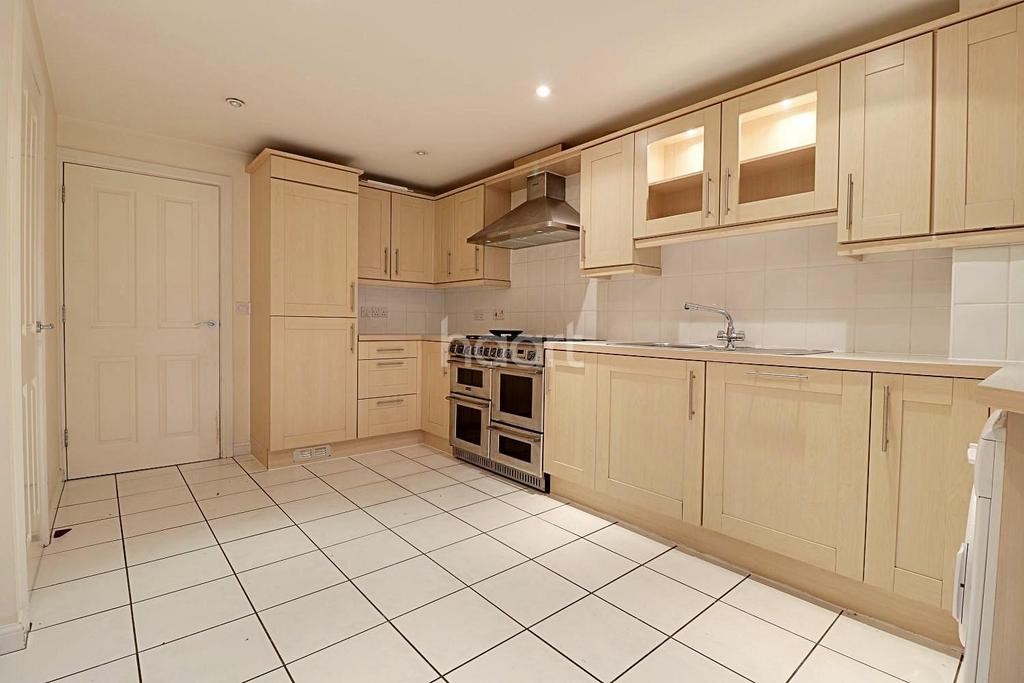 3 Bedrooms Terraced House for sale in Ethelreda Drive, Thetford