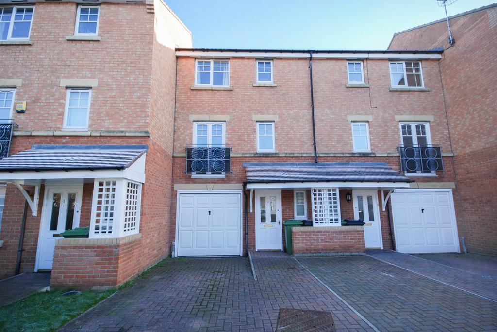4 Bedrooms Town House for sale in Ovett Gardens, St James Village, Gateshead