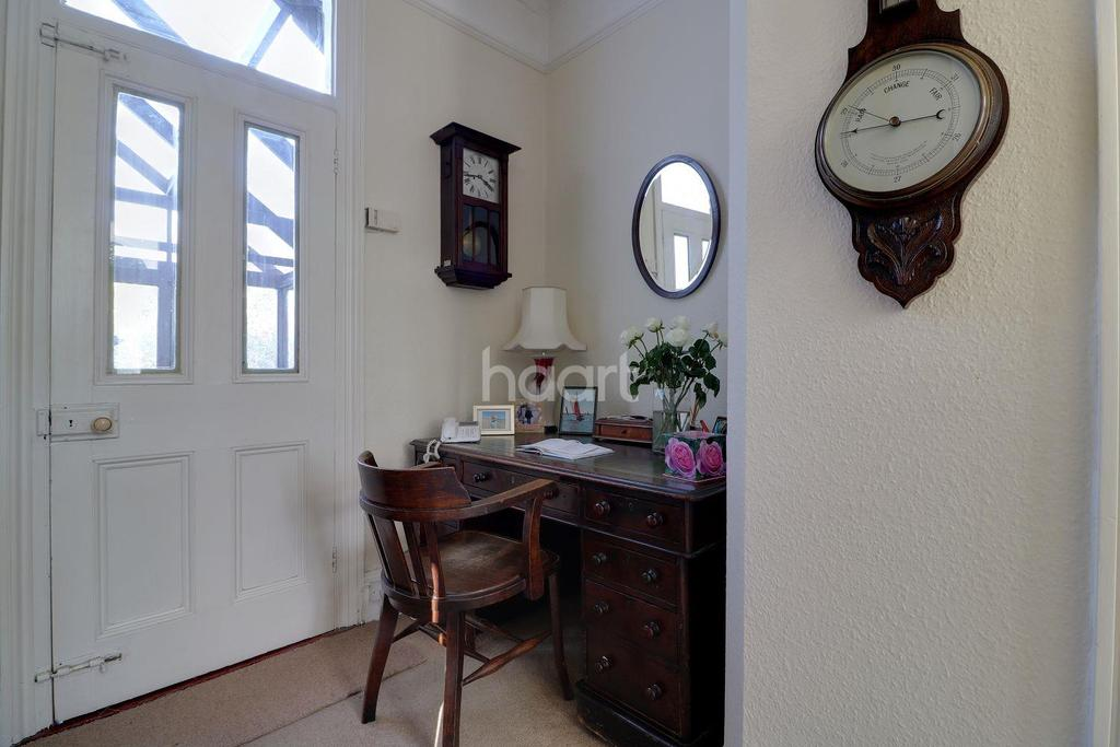 3 Bedrooms Semi Detached House for sale in New Road, Mistley, Manningtree, Essex