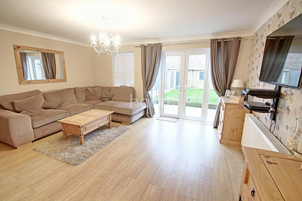 3 Bedrooms Terraced House for sale in Maisie Webster Close