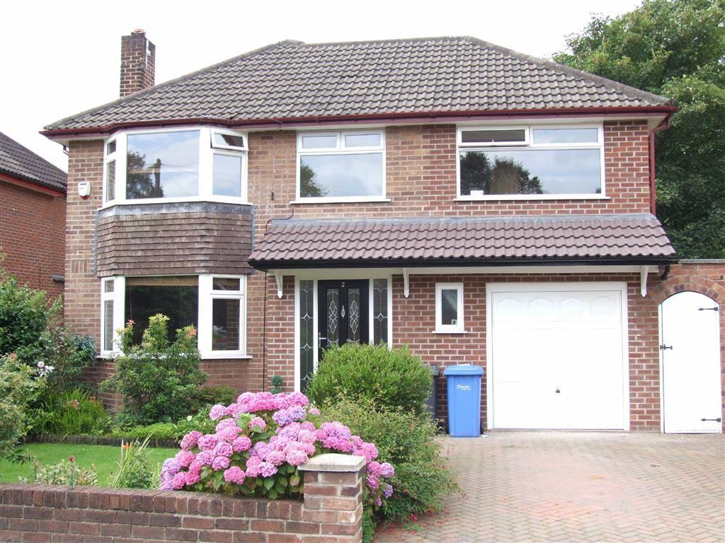 4 Bedrooms Detached House for sale in All Saints Drive, Thelwall, Cheshire