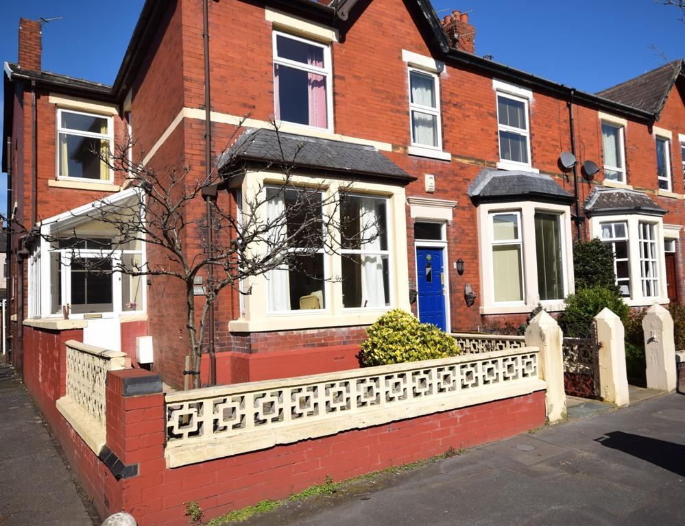 4 Bedrooms End Of Terrace House for sale in Glen Eldon Road, Lytham St Annes, FY8