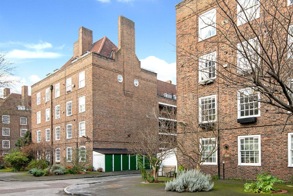 2 Bedrooms Flat for sale in Pritchard's Road, Tower Hamlets, London E2