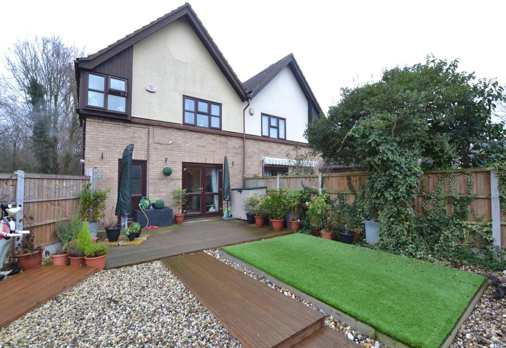 3 Bedrooms Semi Detached House for sale in Kenton Way, Langdon Hills, Basildon, Essex, SS16