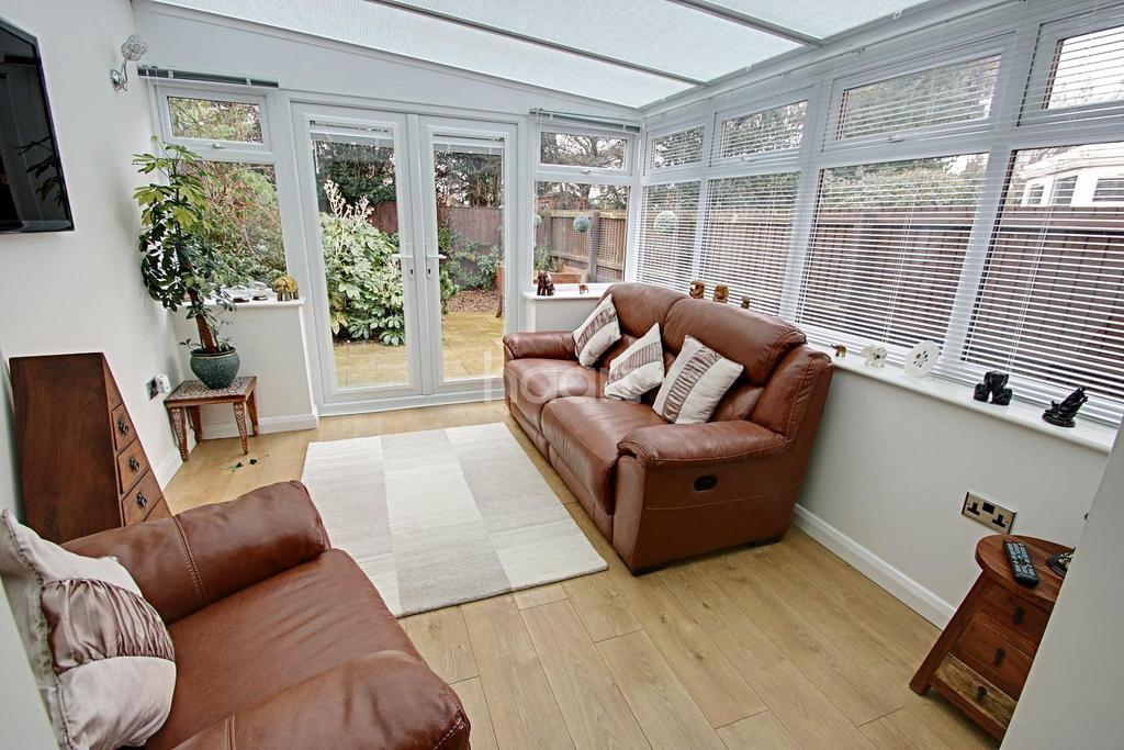 3 Bedrooms End Of Terrace House for sale in Trinity Way, Heanor
