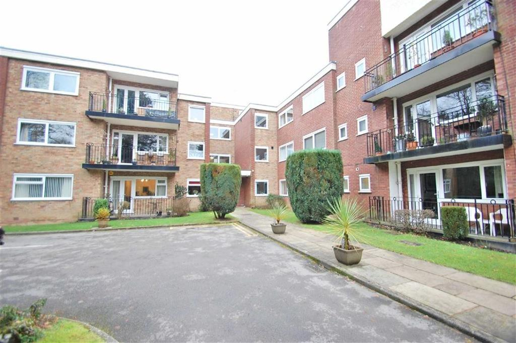 2 Bedrooms Flat for sale in Clysbarton Court, Bramhall, Cheshire