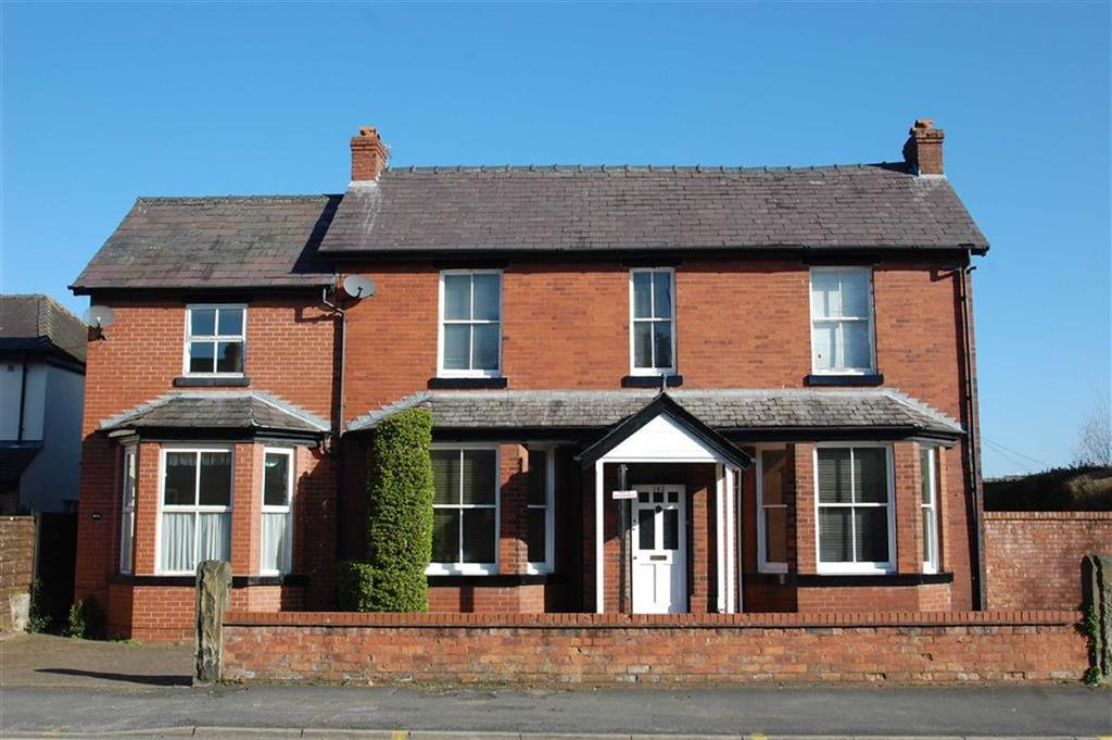 6 Bedrooms Detached House for sale in Moss Lane, Bramhall, Cheshire