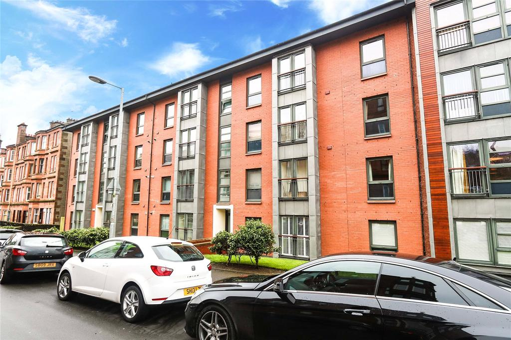 2 Bedrooms Apartment Flat for sale in 3/2, Crathie Drive, Thornwood, Glasgow