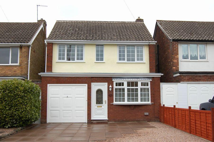 3 Bedrooms Detached House for rent in Whitegates Road, Coseley