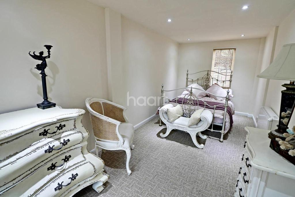 3 Bedrooms Semi Detached House for sale in Alderney Street, Lenton