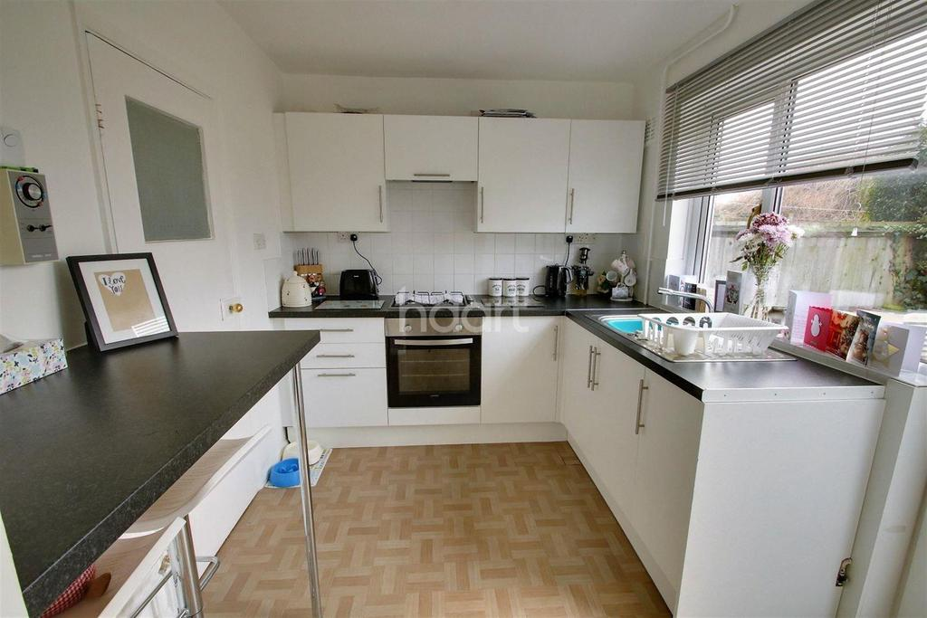 2 Bedrooms Terraced House for rent in Off of Layer Road