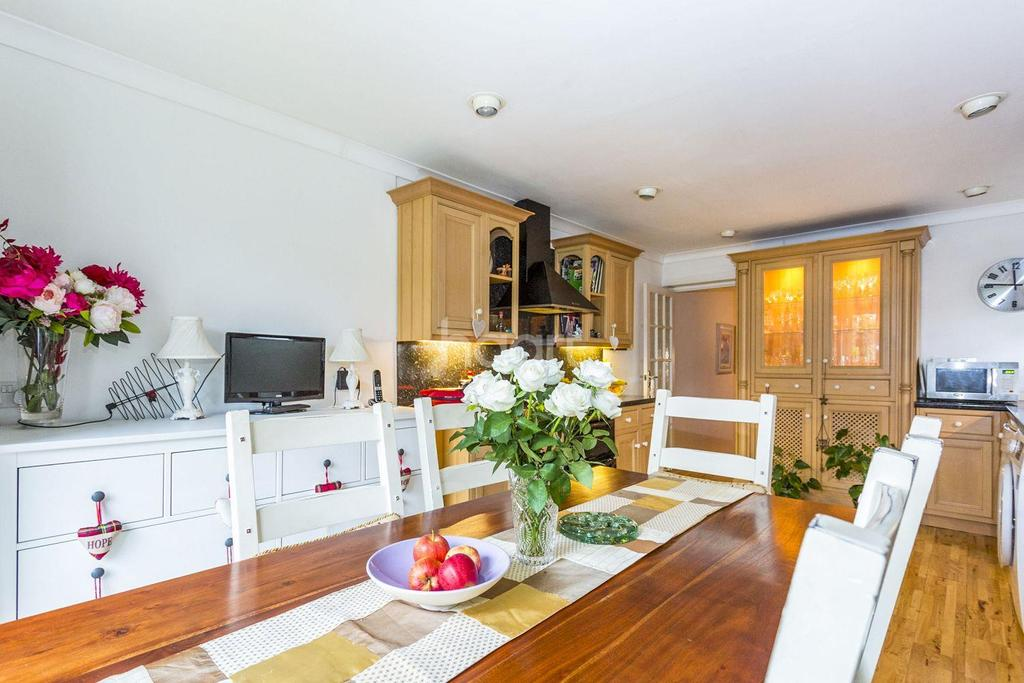 3 Bedrooms End Of Terrace House for sale in www.( ... ).co.uk