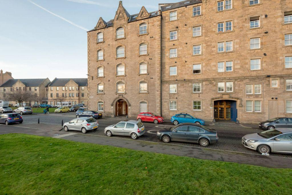 1 Bedroom Ground Flat for sale in 18/1 Johns Place, Edinburgh, EH6 7EN