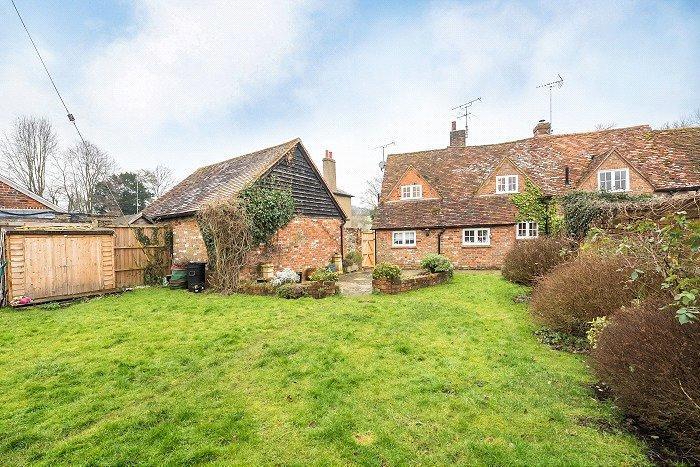 3 Bedrooms Semi Detached House for sale in Red Lion Cottages, Little Missenden, Amersham, Buckinghamshire, HP7