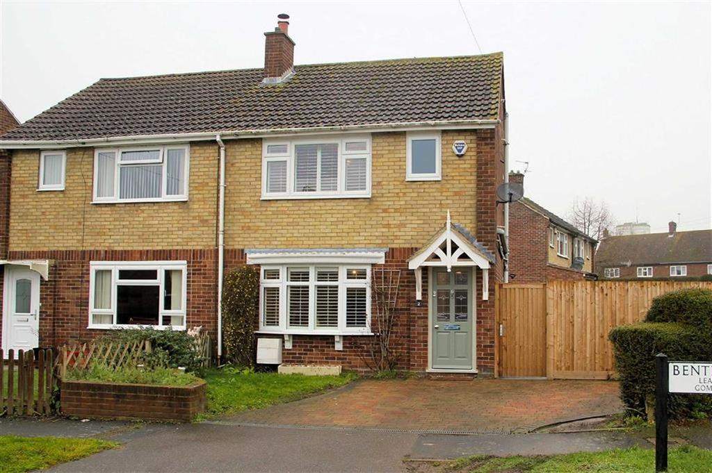 3 Bedrooms Semi Detached House for sale in Bentick Way, Codicote, SG4 8XL