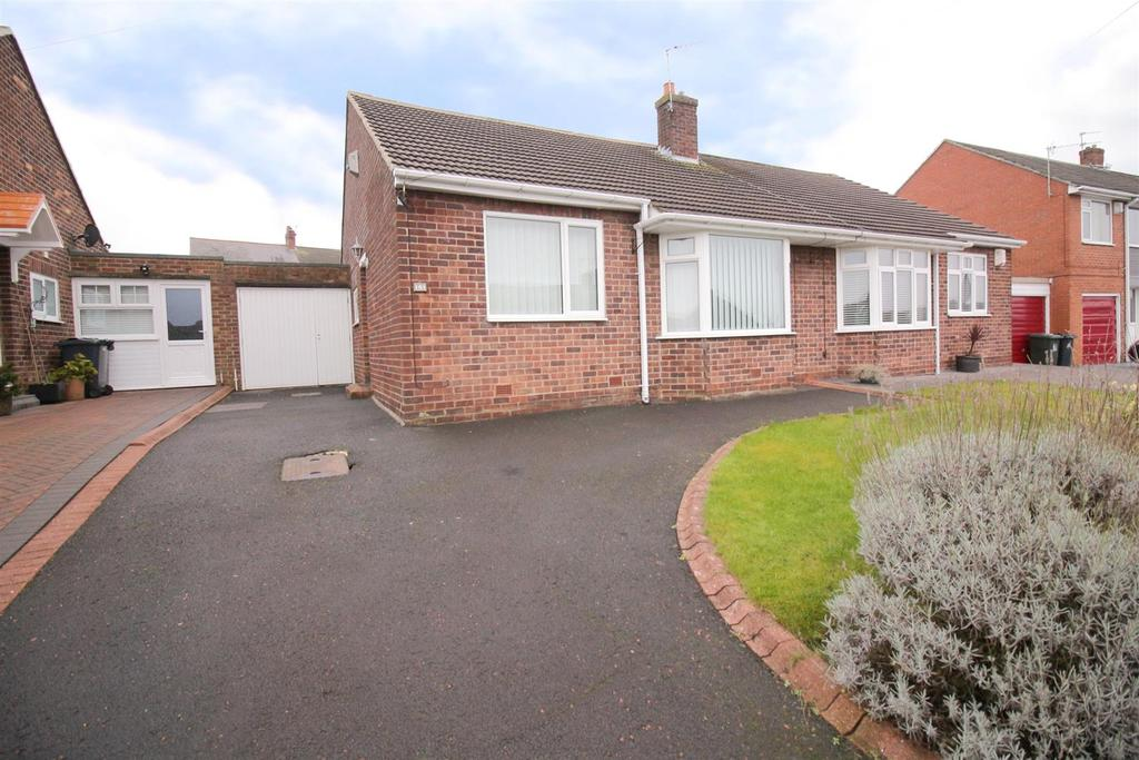 2 Bedrooms Semi Detached Bungalow for sale in Rayleigh Drive, Wideopen, Newcastle Upon Tyne