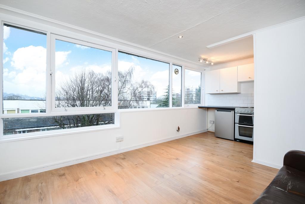 Studio Flat for sale in Bampton Road Hyndewood SE23