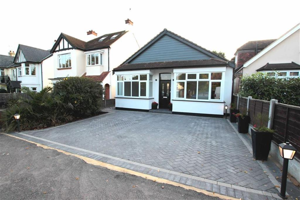 3 Bedrooms Detached Bungalow for sale in Eastwood Road, Leigh On Sea, Essex