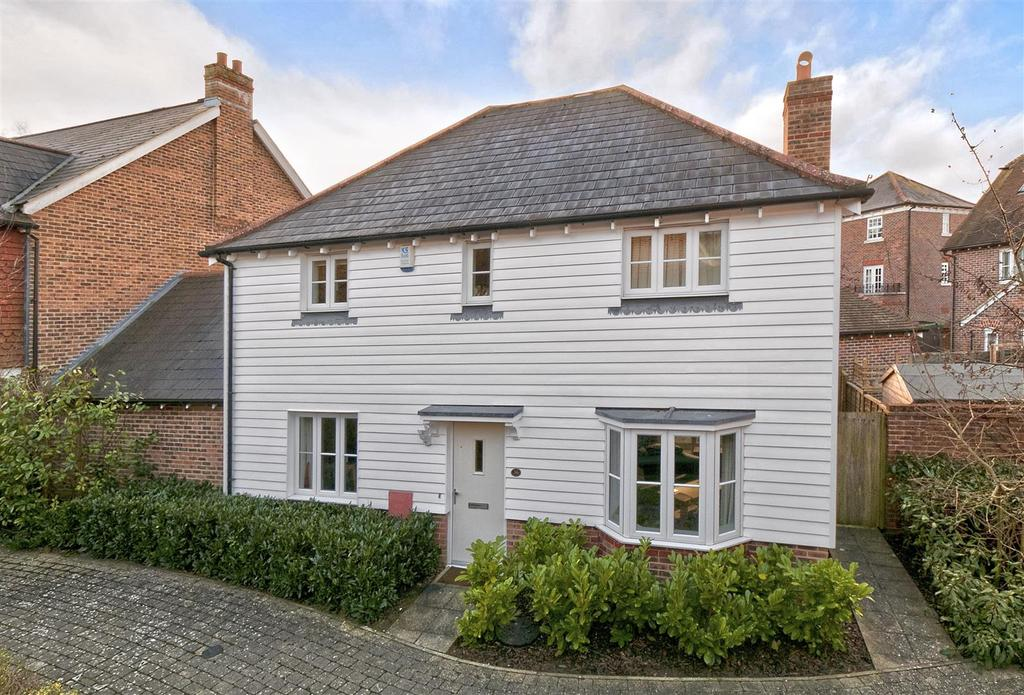 3 Bedrooms Detached House for sale in Mcarthur Drive, Kings Hill, ME19 4GW