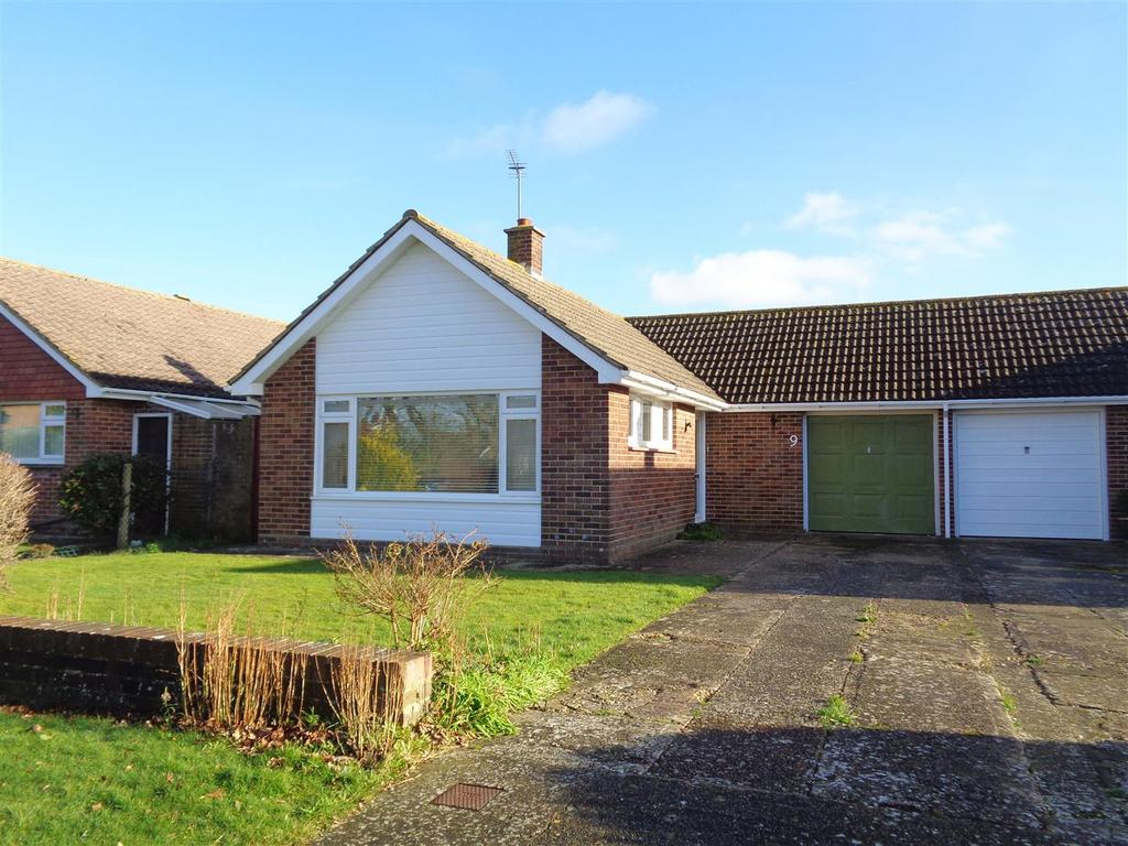 2 Bedrooms Detached Bungalow for sale in Sea Way, Pagham