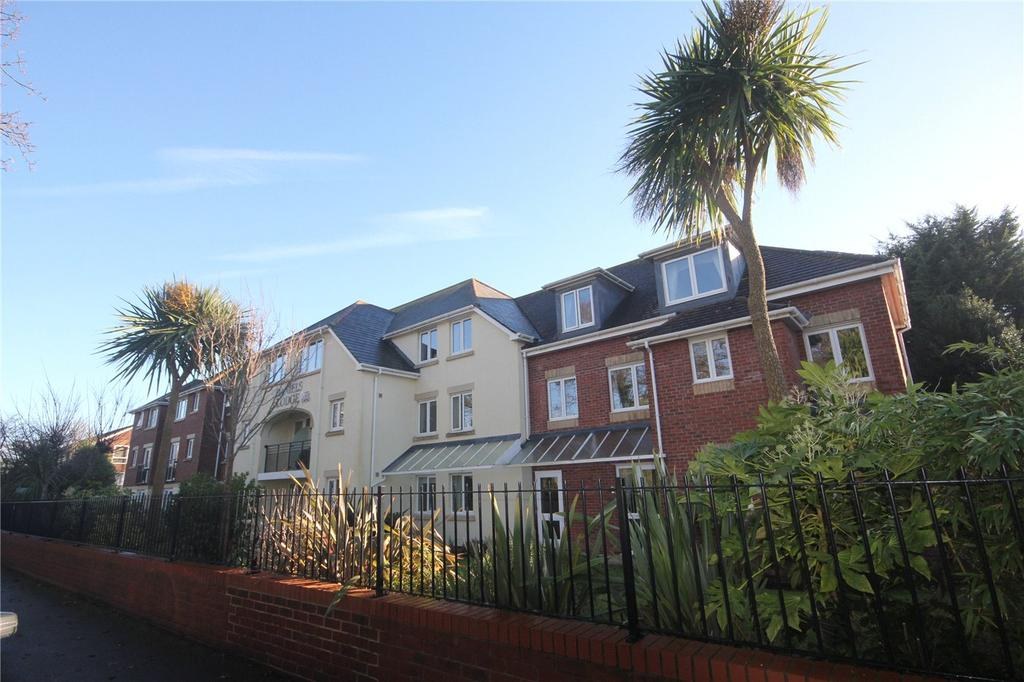 1 Bedroom Retirement Property for sale in Daniels Lodge, 5-11 Montagu Road, Christchurch, Dorset, BH23