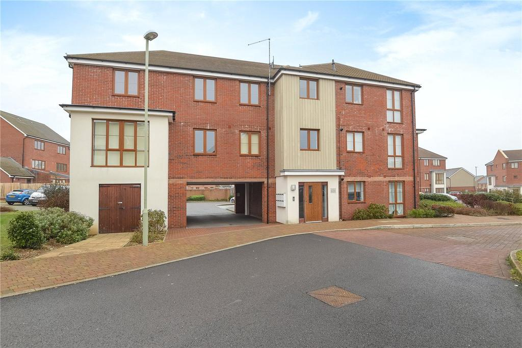 2 Bedrooms Flat for sale in Spencer House, Peggs Way, Basingstoke, Hampshire, RG24