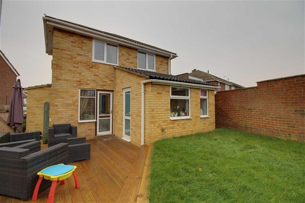3 Bedrooms Detached House for sale in Chelmsford Avenue, Cheltenham, Gloucestershire