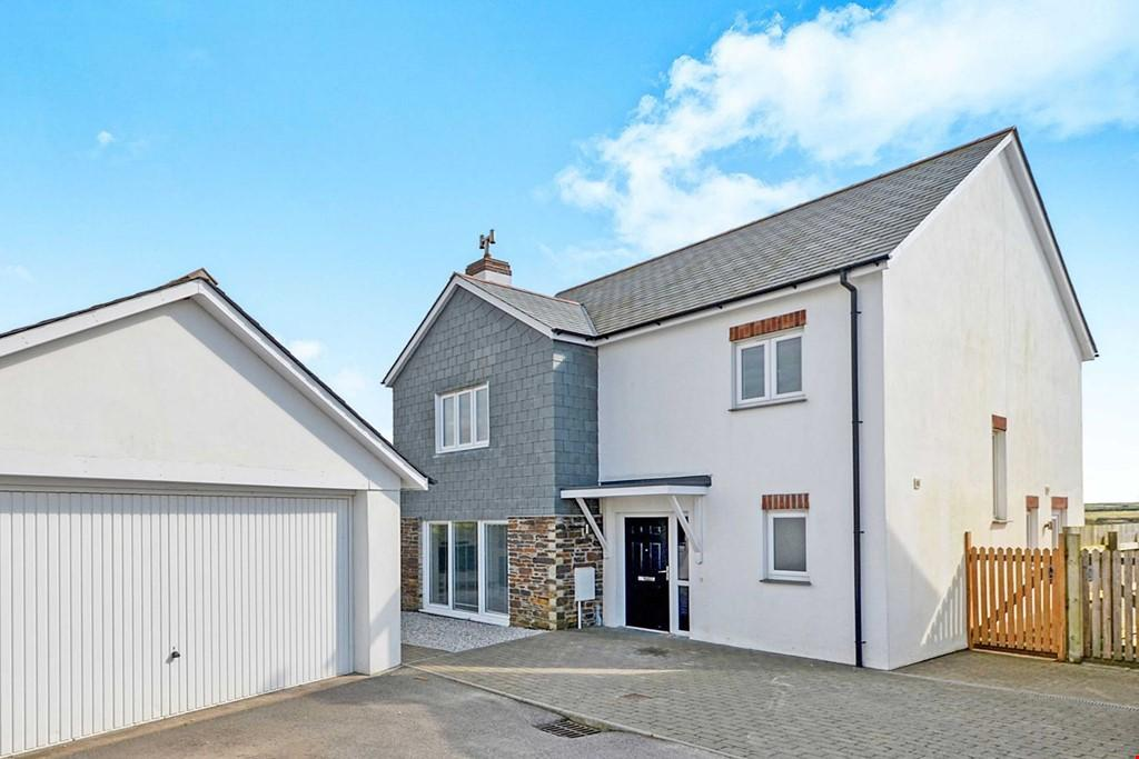 4 Bedrooms Detached House for sale in Crantock, Nr. Newquay, Cornwall, TR8