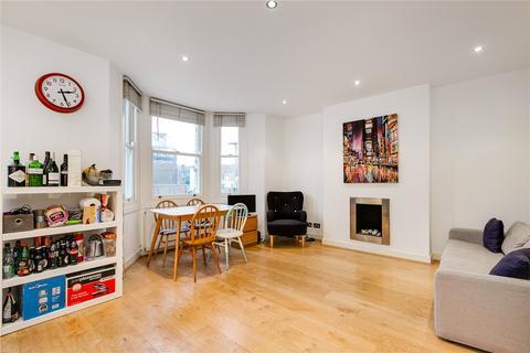2 bedroom flat to rent - Shelgate Road, London