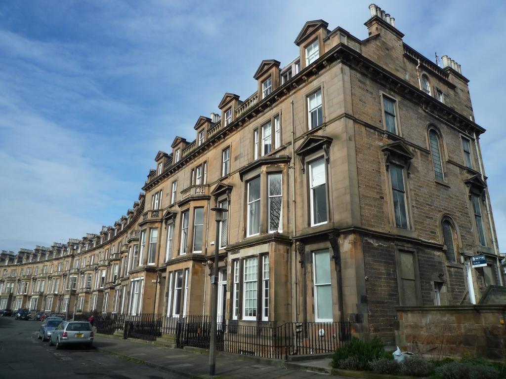 2 Bedrooms Flat for rent in Belgrave Crescent, West End, Edinburgh, EH4 3AQ