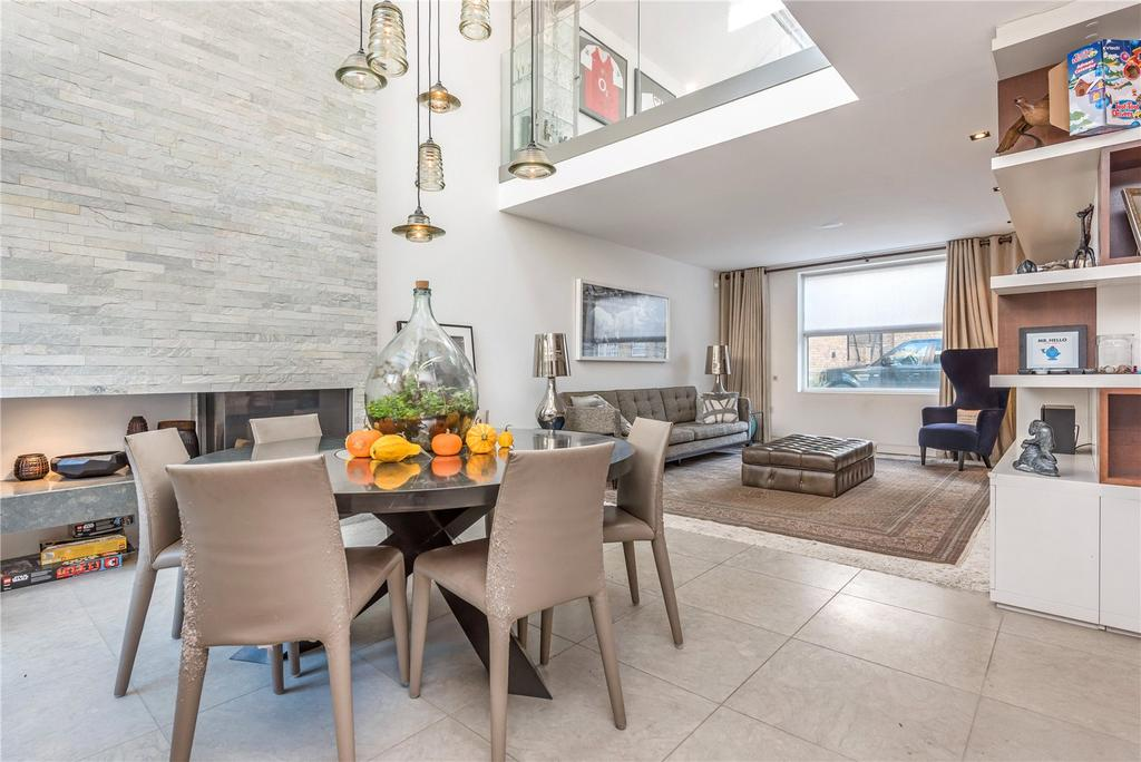 4 Bedrooms Mews House for sale in Noble Yard, Islington, London, N1