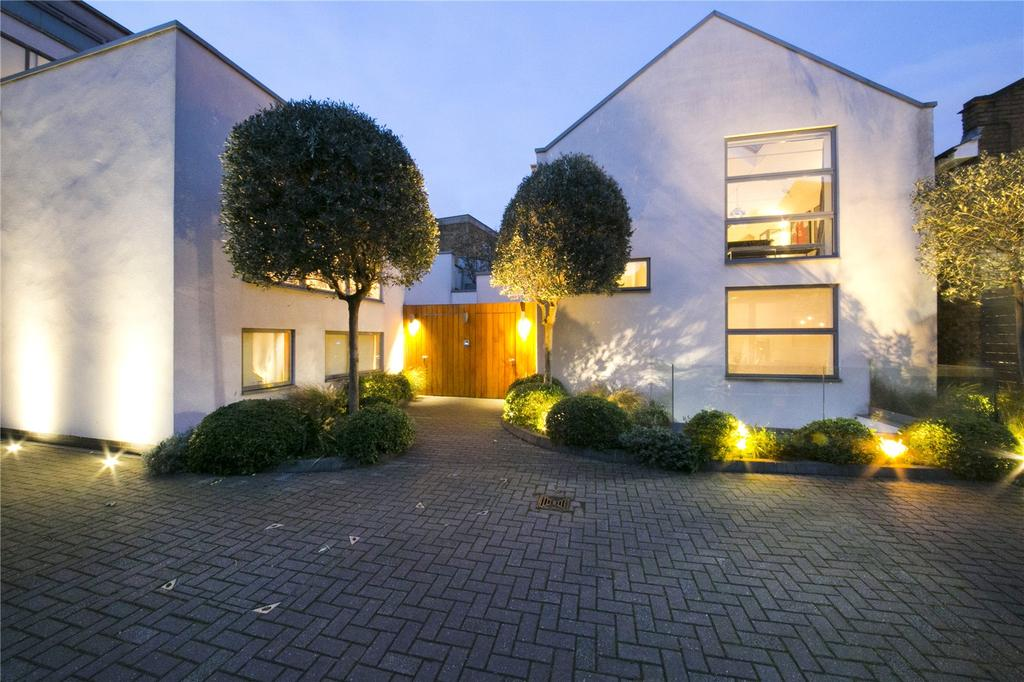 4 Bedrooms Mews House for sale in Noble Yard, Islington, London, N1