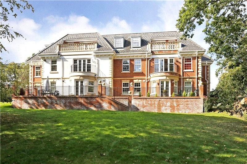2 Bedrooms Flat for sale in Oak House, 101 Ducks Hill Road, Northwood, Middlesex, HA6