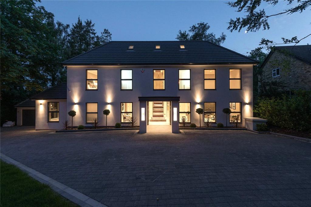 6 Bedrooms Detached House for rent in The Drive, Rickmansworth, Hertfordshire, WD3
