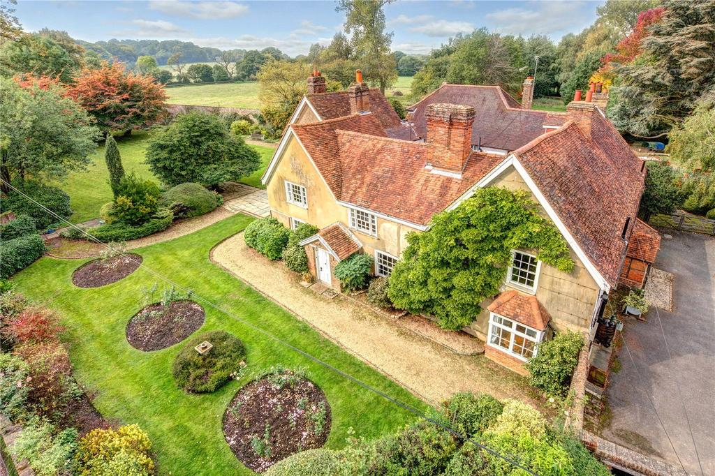 4 Bedrooms Unique Property for sale in Redhall Lane, Chandlers Cross, Rickmansworth, Hertfordshire, WD3