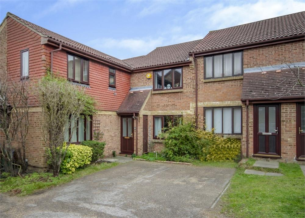 2 Bedrooms Terraced House for sale in Cabin Moss, Forest Park, Bracknell, Berkshire
