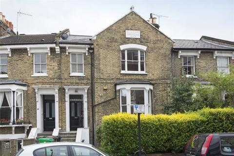 2 bedroom flat for sale - Shacklewell Lane, Hackney, London, E8