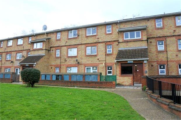 1 Bedroom Flat for sale in Stavely Close, Peckham, London, SE15 2JW