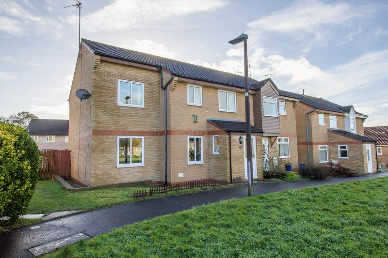 3 Bedrooms Semi Detached House for sale in Cosmeston Drive, Penarth