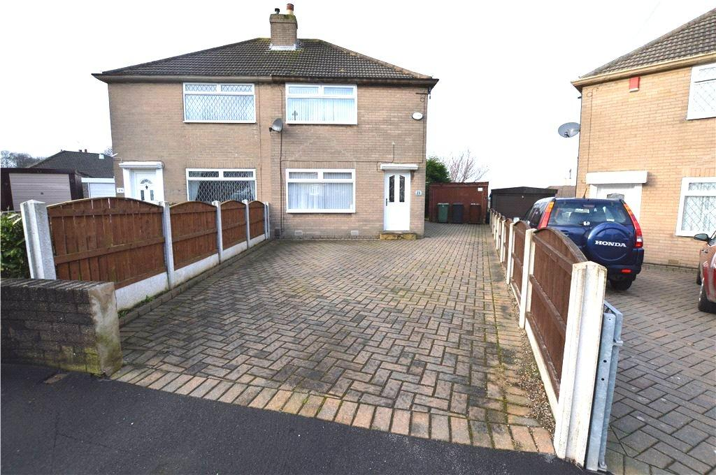 2 Bedrooms Semi Detached House for sale in Lulworth View, Leeds