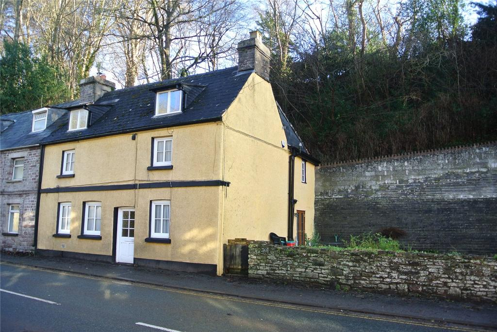 4 Bedrooms Semi Detached House for sale in The Struet, Brecon, Powys